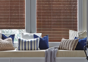 "Parkland 2"" Wood Blinds / Everwood / TruGrain Fabric Material: Alternative Wood Color: English Walnut"